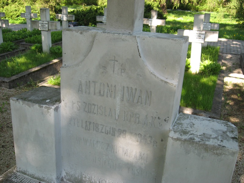 cmentarz kielce (11)