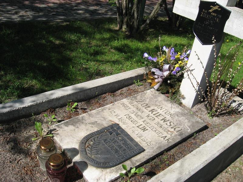 cmentarz kielce (14)
